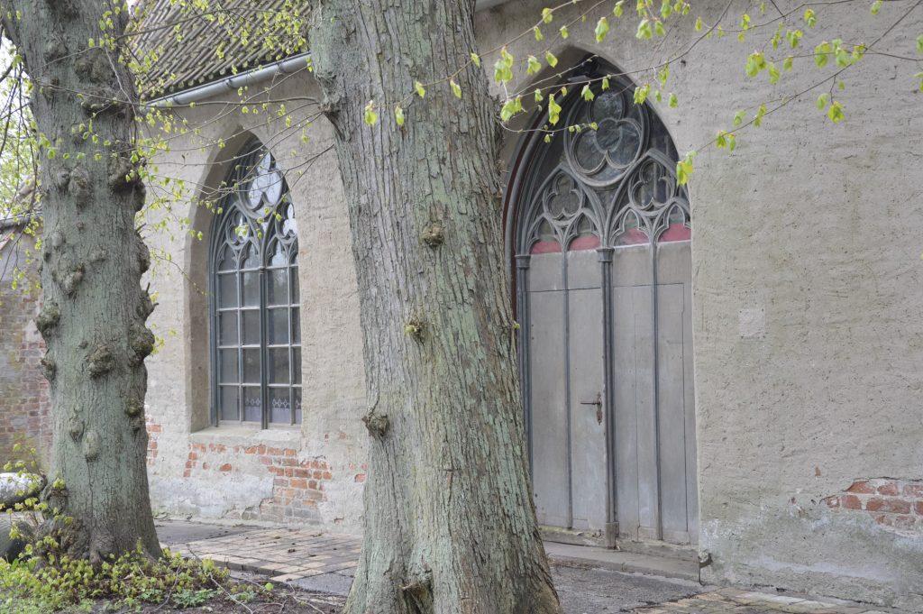 Kirchentür Rambin, Rügener Märchenstraße